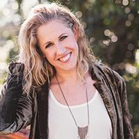 Laura Scholz Writer Headshot