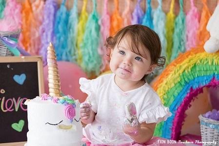 Baby with smash cake