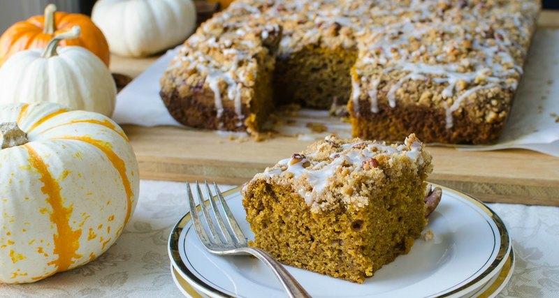 pumpkin pecan snack cake