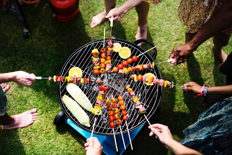 people grilling