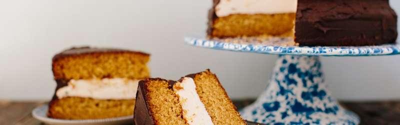 Mooonpie cake 1584x846 ramona king