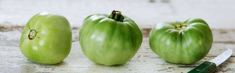 Green tomatoes whole