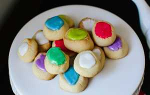 Thumbprint Shortbread Cookies from Henri's Bakery