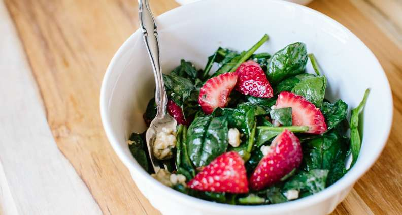 Strawberry-Spinach Salad With Pecans and Blue Cheese