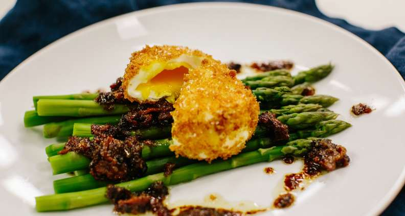 Asparagus with Crispy Poached Eggs and Warm Bacon Vinaigrette