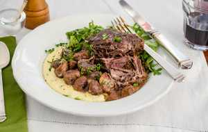 Red Wine-Braised Short Ribs with Herbed Grits