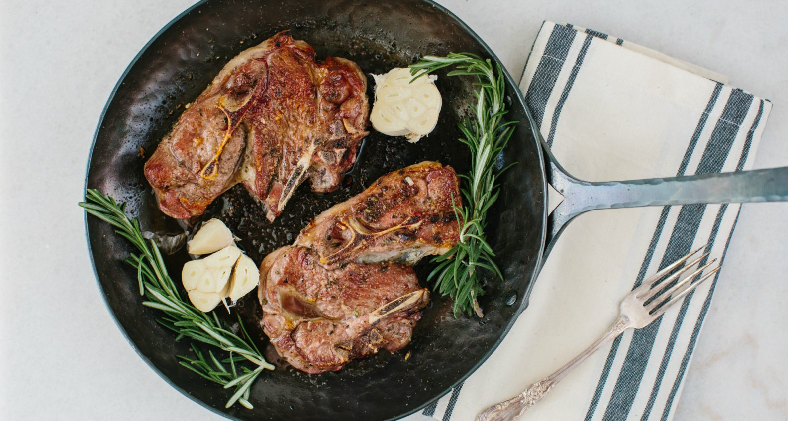 pan fried lamb shoulder chop recipe Lamb Shoulder Chops with Garlic and Rosemary