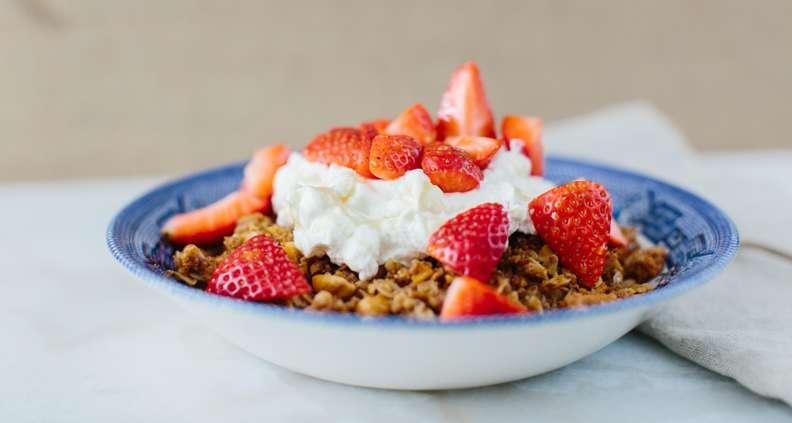 Peanut Granola with Strawberries