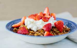 Peanut Granola with Strawberries