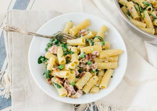 Rigatoni with Peas and Bacon