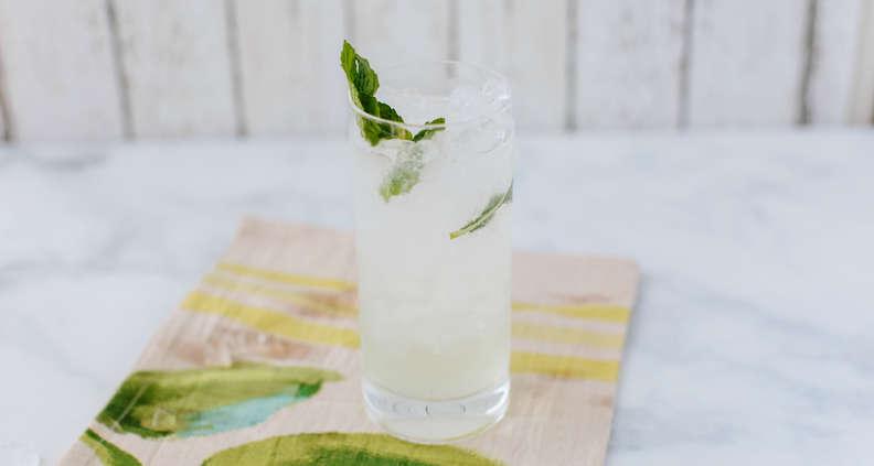 Classic Mojito Cocktail Recipe