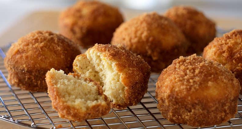 Cinnamon Doughnut Muffins