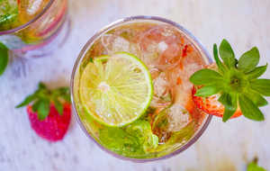 Zero-Proof Strawberry Mojito