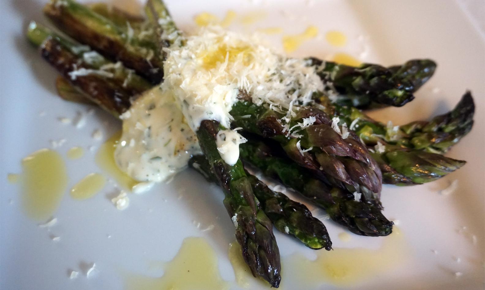 Seared asparagus with easy aioli
