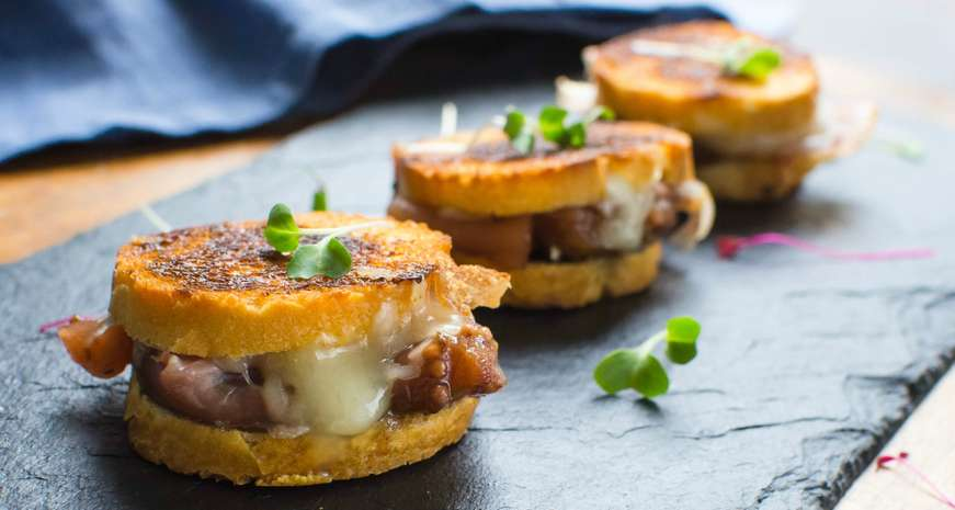 Fontina and Fig Chutney Grilled Cheese Bites