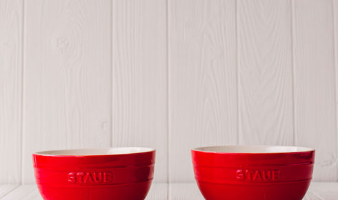 Set of 2 large universal bowls in cherry  from Staub