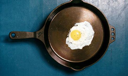 Egg inside Smithey no. 12 Cast Iron Skillet