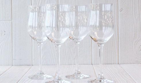 four rosé glasses from schott zwiesel